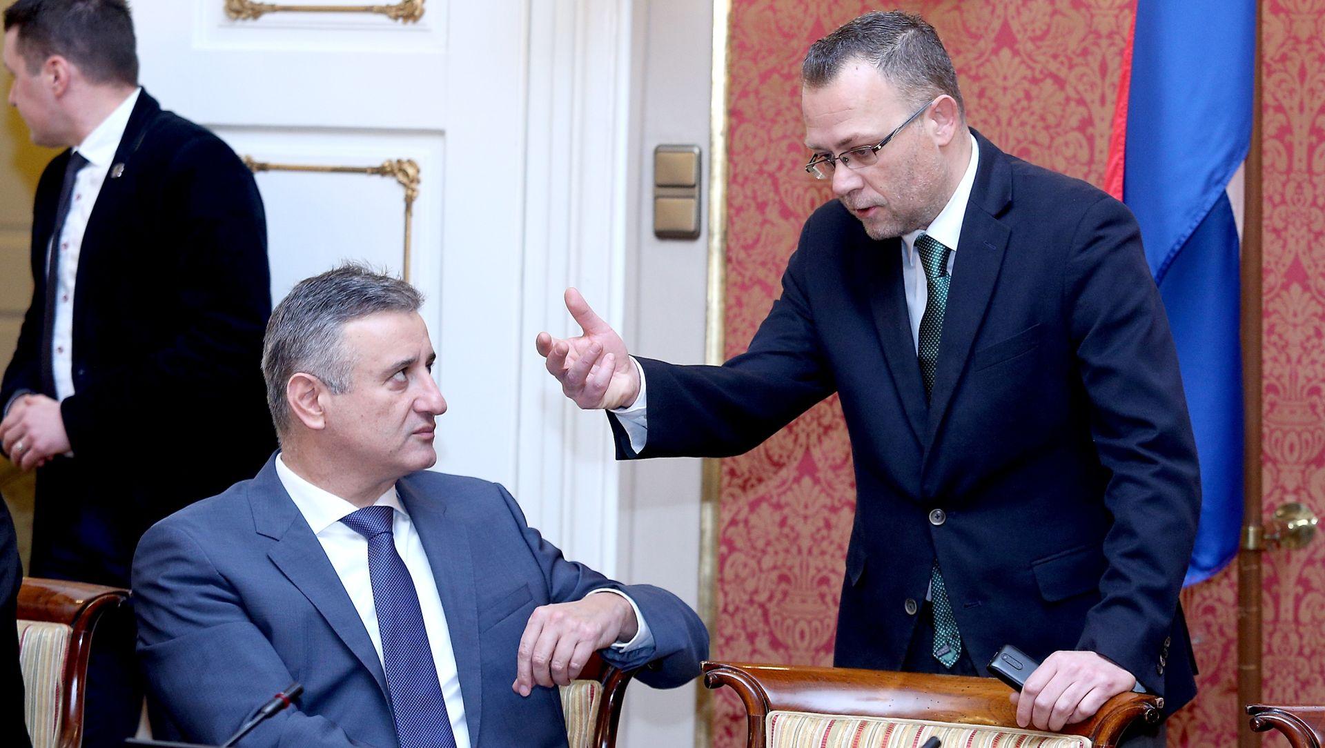 """KARAMARKO """"Hasanbegovićevo mjesto u Vladi je sigurno, sve je isfabricirano kao i s Crnojom"""""""