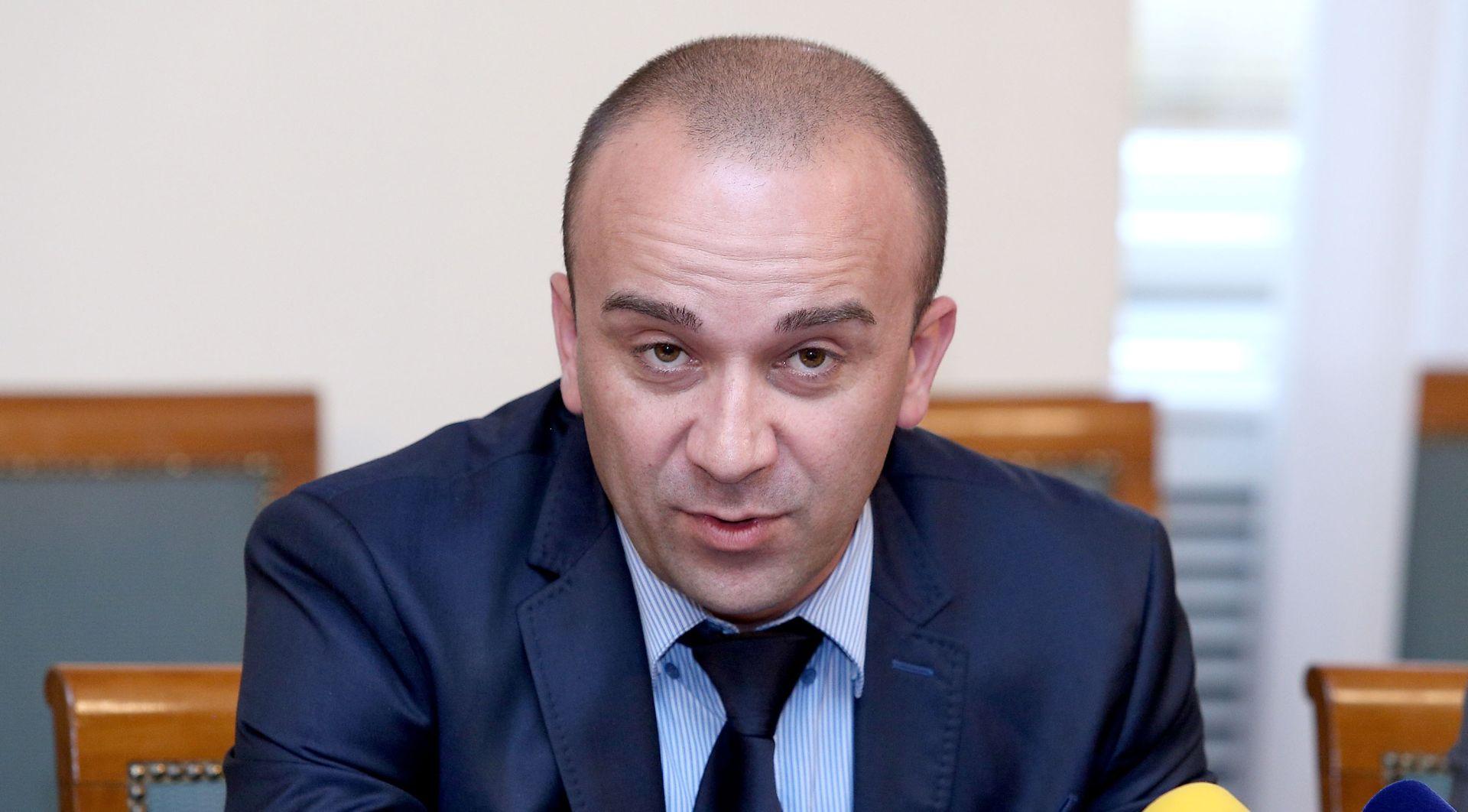 """JOSIP SALAPIĆ """"Ukoliko se ova situacija sa SOA-om nastavi, onda su ispred nas prijevremeni izbori"""""""