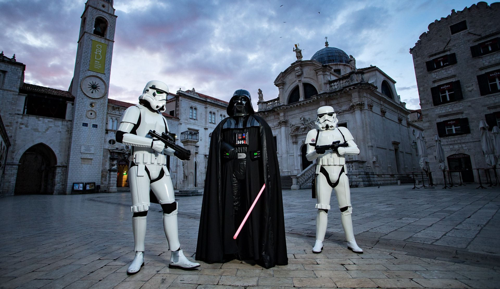 FOTO: DUBROVNIK Darth Vader i Stormtrooperi prošetali Gradom
