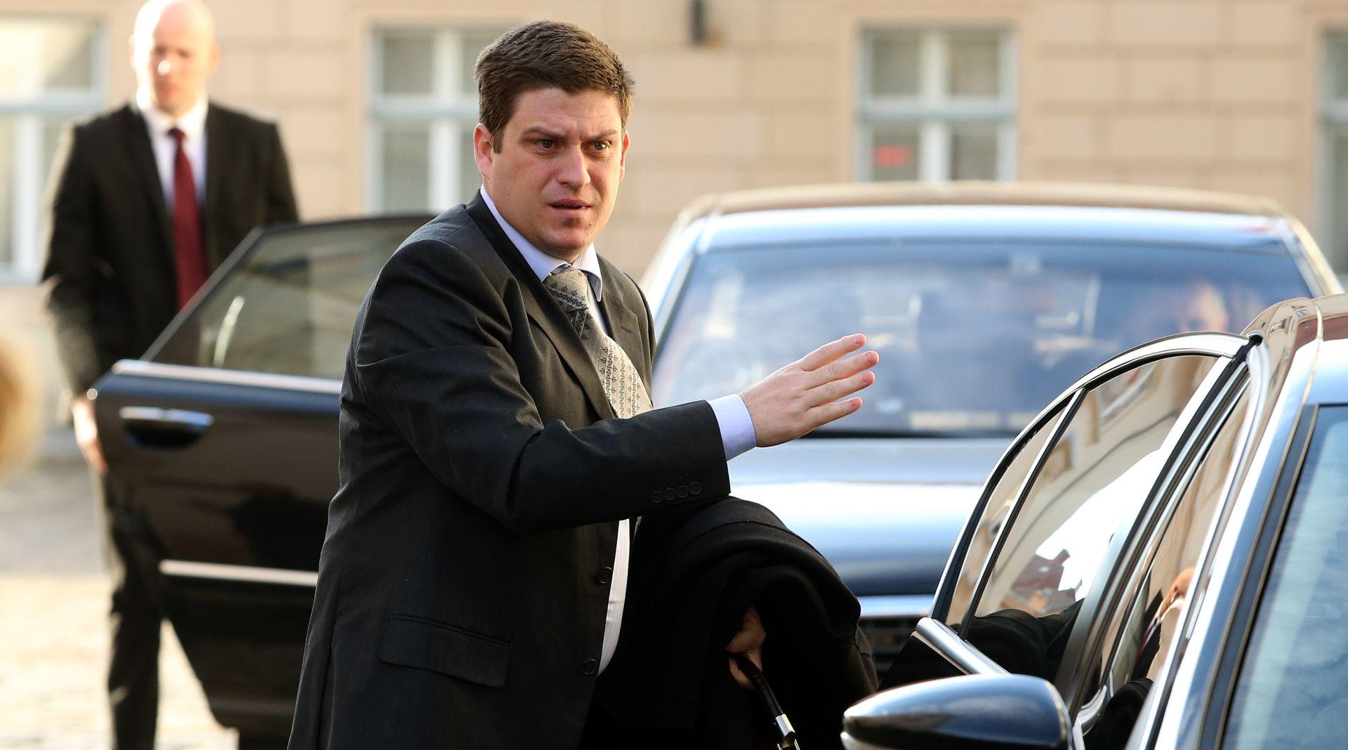 'MINISTARSTVO NEBA I ZEMLJE' Butković najavio mogućnost uvođenja vinjeta