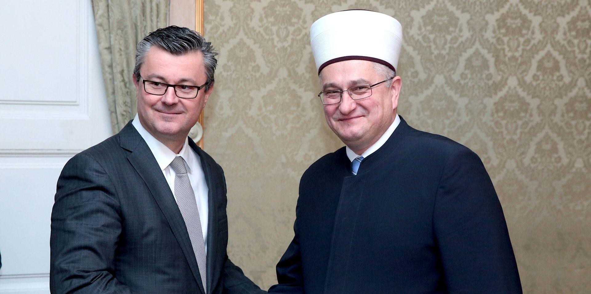 Premijer Orešković i muftija Hasanović: Odnosi Vlade RH i Islamske zajednice u Hrvatskoj primjer članicama EU