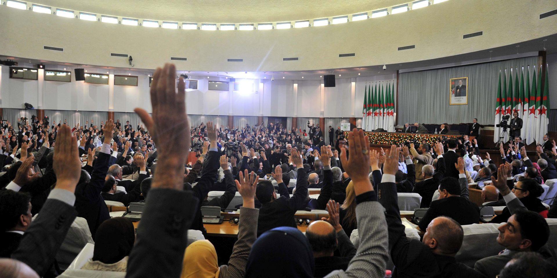 IZMJENA USTAVA: Alžirski parlament prihvatio ustavnu reformu