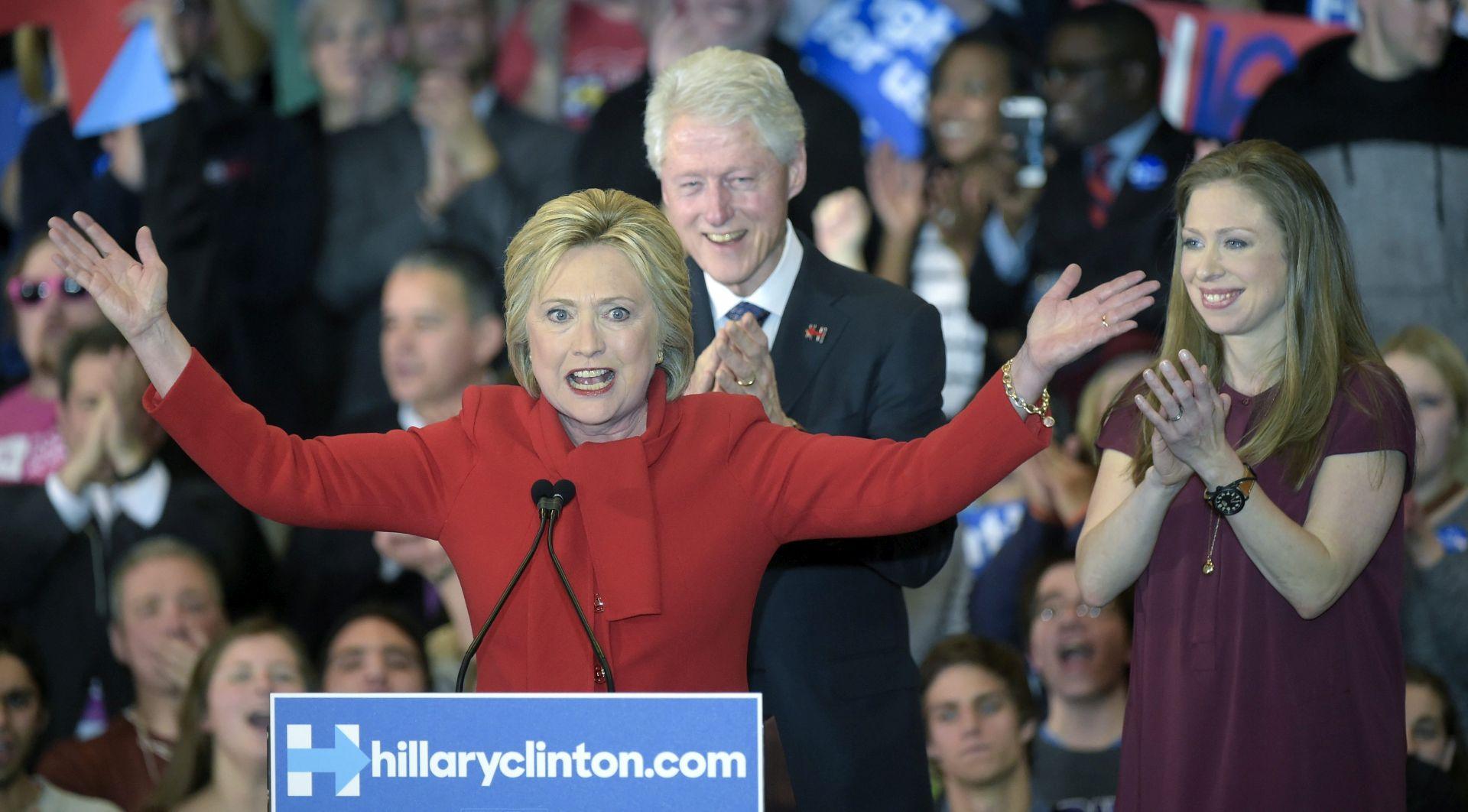 SLUŽBENI PODACI: Hillary Clinton tijesno pobijedila u Iovi