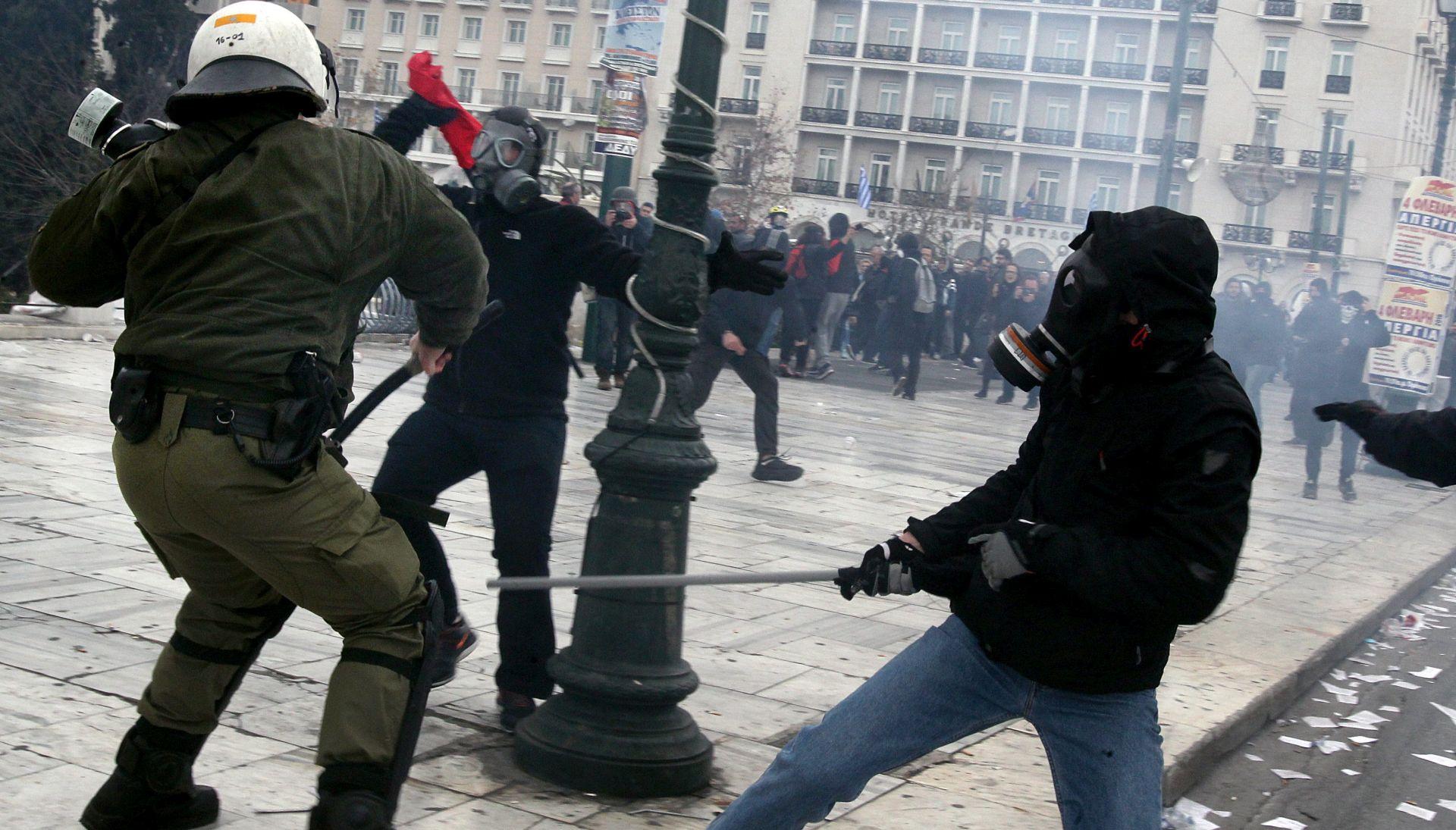 NOVI MIGRANTSKI CENTAR: Žestoki prosvjedi stanovnika grčkog otoka Kosa