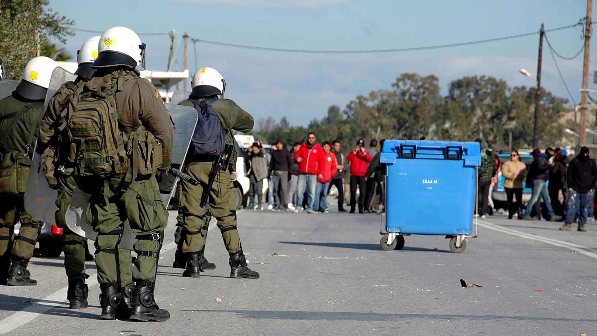 REAGIRALI I SPECIJALCI: Novi prosvjed na Kosu protiv prihvatnog centra za migrante
