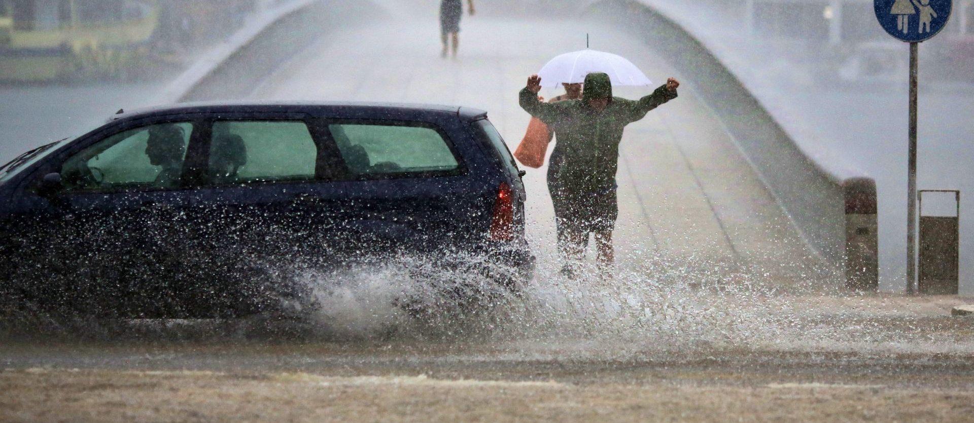 VIDEO: Nevrijeme izazvalo iznenadne poplave u sjeveroistočnom dijelu SAD-a