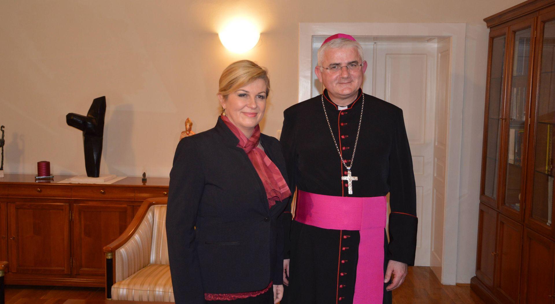 OTVORENJE FESTE SV. VLAHA: Predsjednica Grabar-Kitarović s biskupom Uzinićem i nadbiskupom Chicaga mons. Cupichem