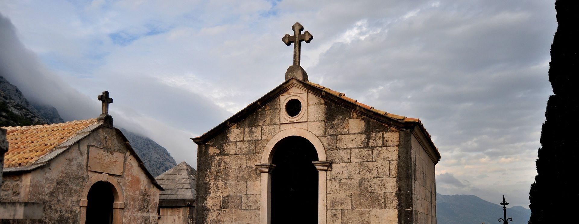 NEZAMAPĆEN ZLOČIN U VOJVODINI Pretučen opat franjevačkog samostana u Baču, sumnja se na pljačku