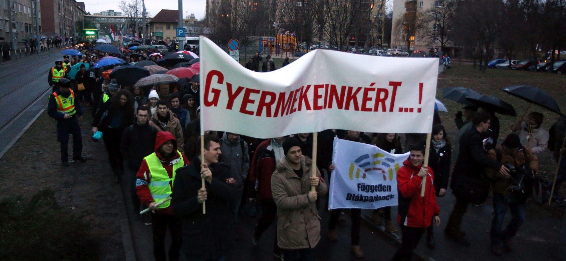 Mađarska: Prosvjed protiv reforme školstva Viktora Orbana