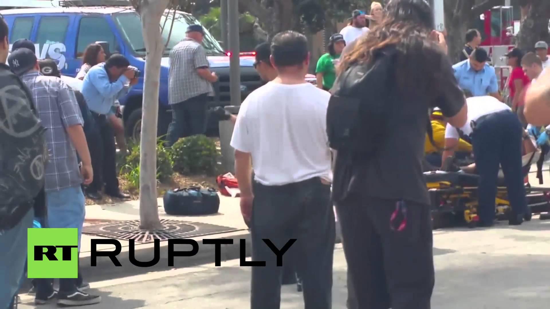 VIDEO: Četiri osobe izbodene na skupu KKK-a u Kaliforniji, 13 uhićenih