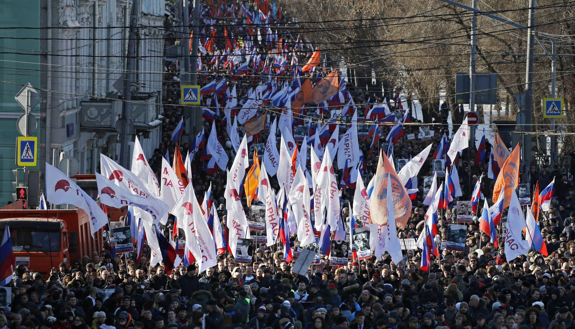 Brojni Moskovljani odali počast Borisu Nemcovu