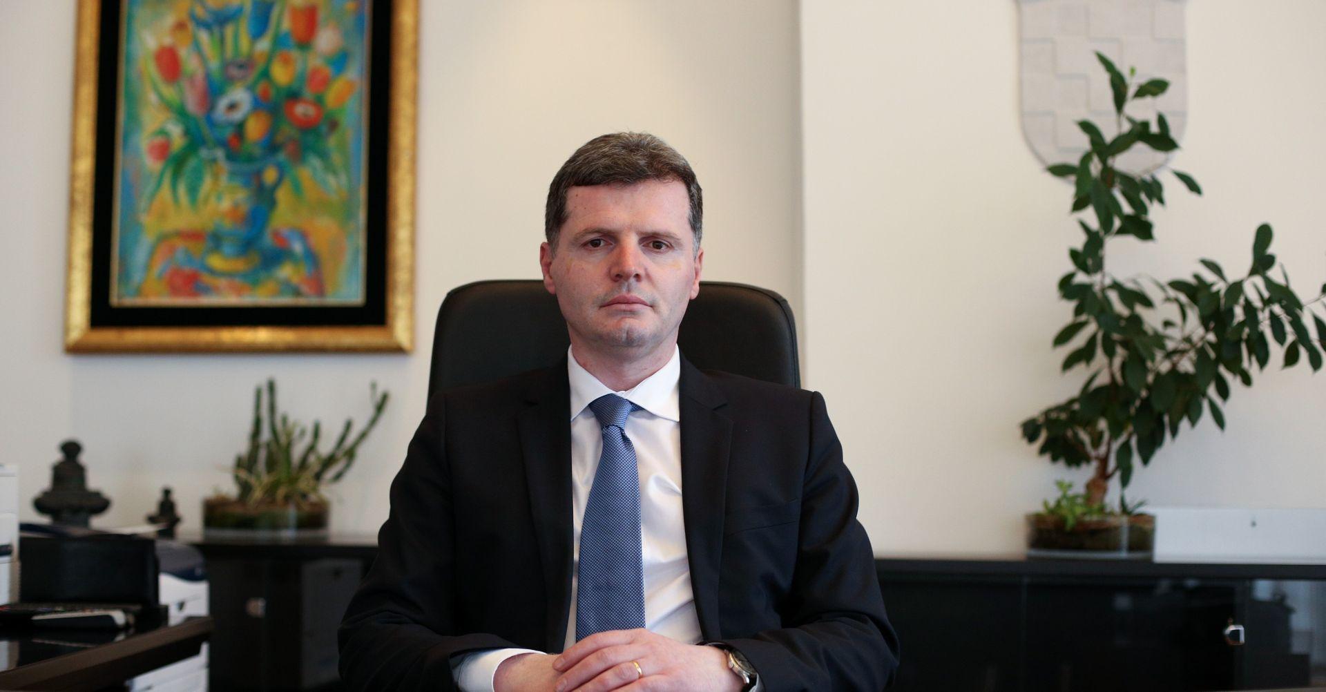 MINISTAR NAKIĆ OSNOVAO POVJERENSTVO: Istraga slučaja mrtvorođene bebe u Vinkovcima