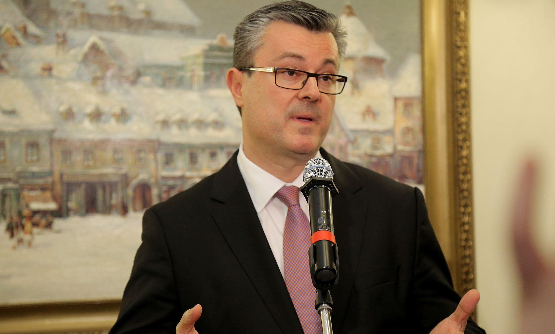 SASTANAK S ANGELOM MERKEL: Orešković najavio posjet Berlinu