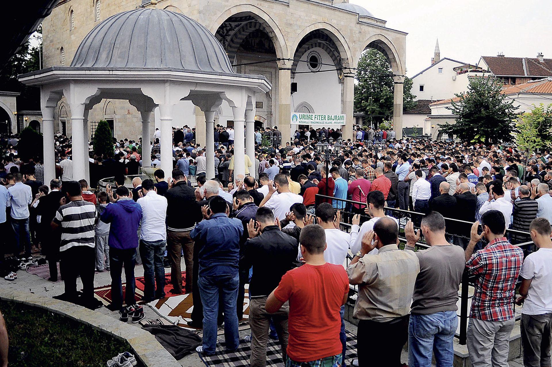 NACIONAL I BIRN ZAJEDNO PROMIČU ISTRAŽIVAČKO NOVINARSTVO Malobrojne i fanatične – žene s Kosova koje pristupaju ISIL-u