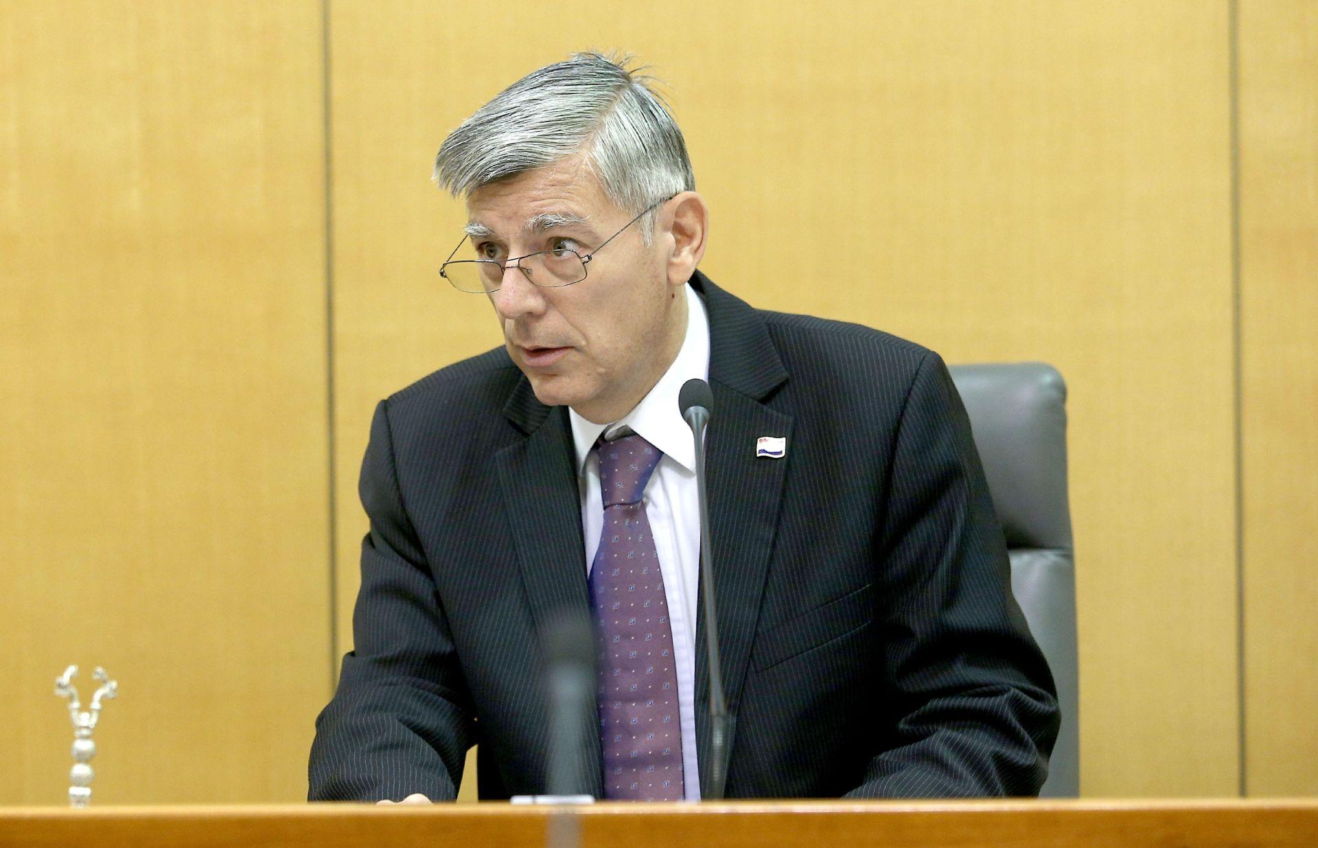 Željko Reiner: Ne znam ništa o tome da će Odbor za unutarnju politiku saslušati Lozančića
