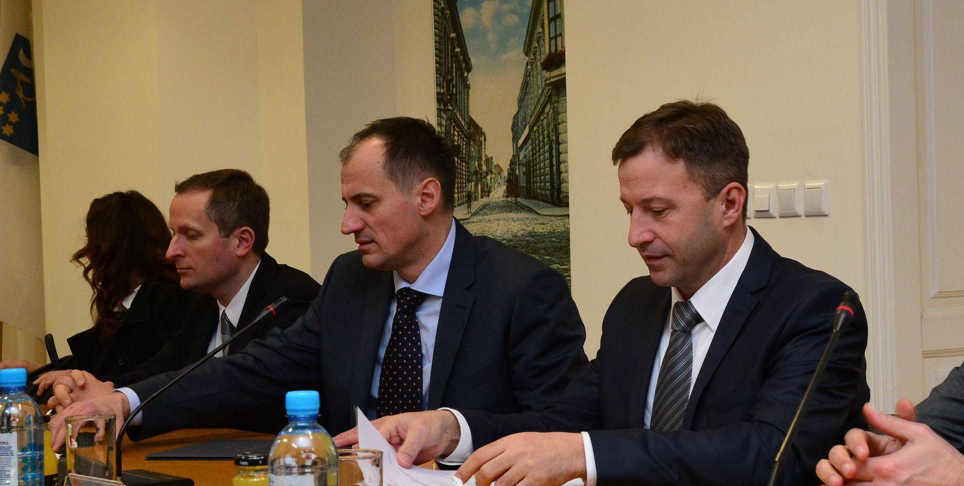 MOGUĆE ZATVARANJE NAFTOVODA: Trojica ministara u Slavonskome Brodu zbog onečišćenja zraka