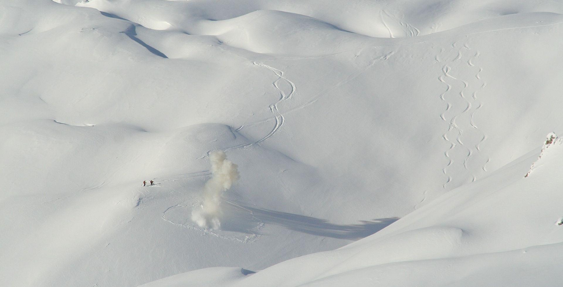 AUSTRIJSKE ALPE Lavina zatrpala 12 osoba, poginulo do pet čeških skijaša