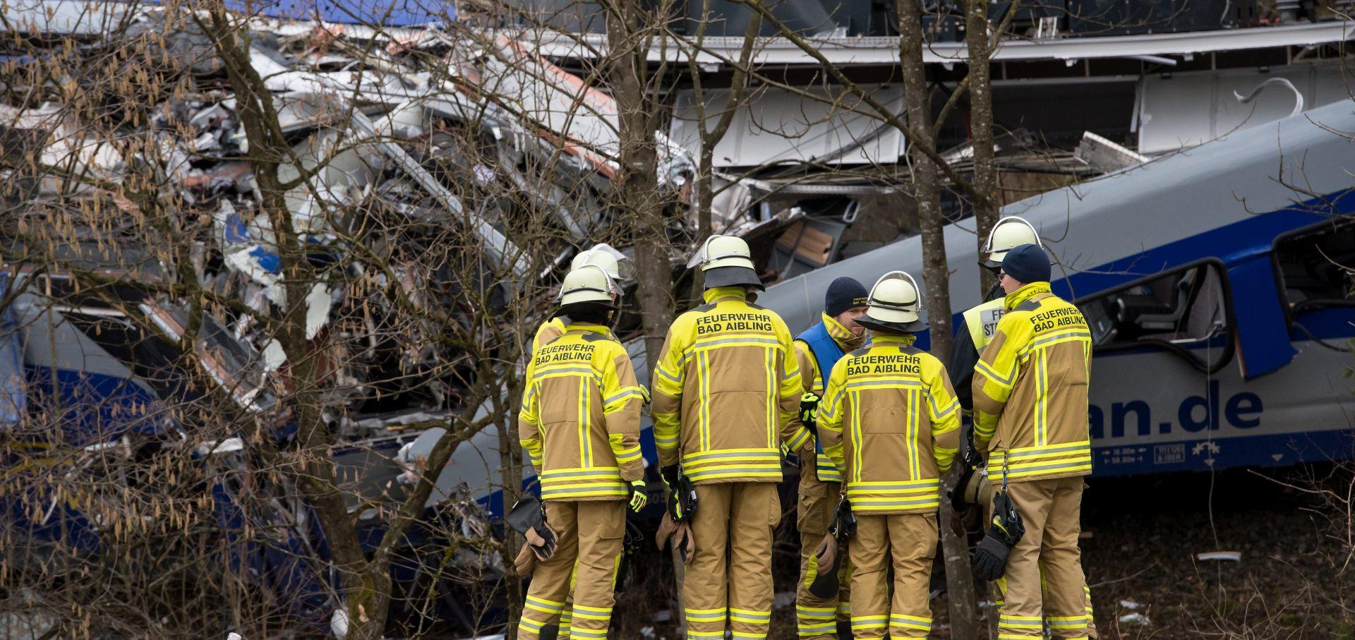POGINULO 11 LJUDI Do željezničke nesreće u Bavariji došlo zbog greške kontrolora vlaka