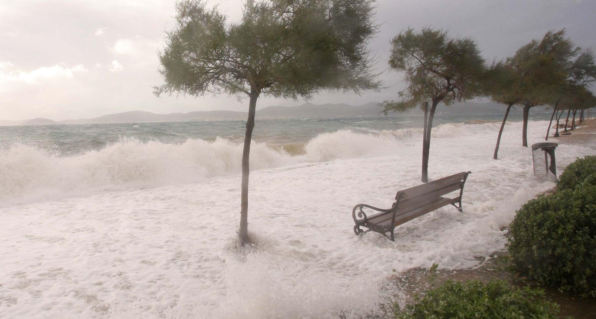 OTKAZANI LETOVI: Oluja Katie pogodila jug Engleske