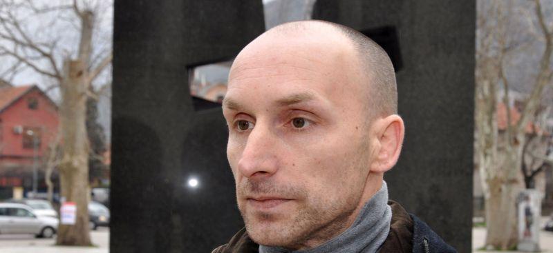 Pretučen Duje Šantić sin ubijenog generala HVO-a nakon što je optužio časnike Armije BiH za smrt oca