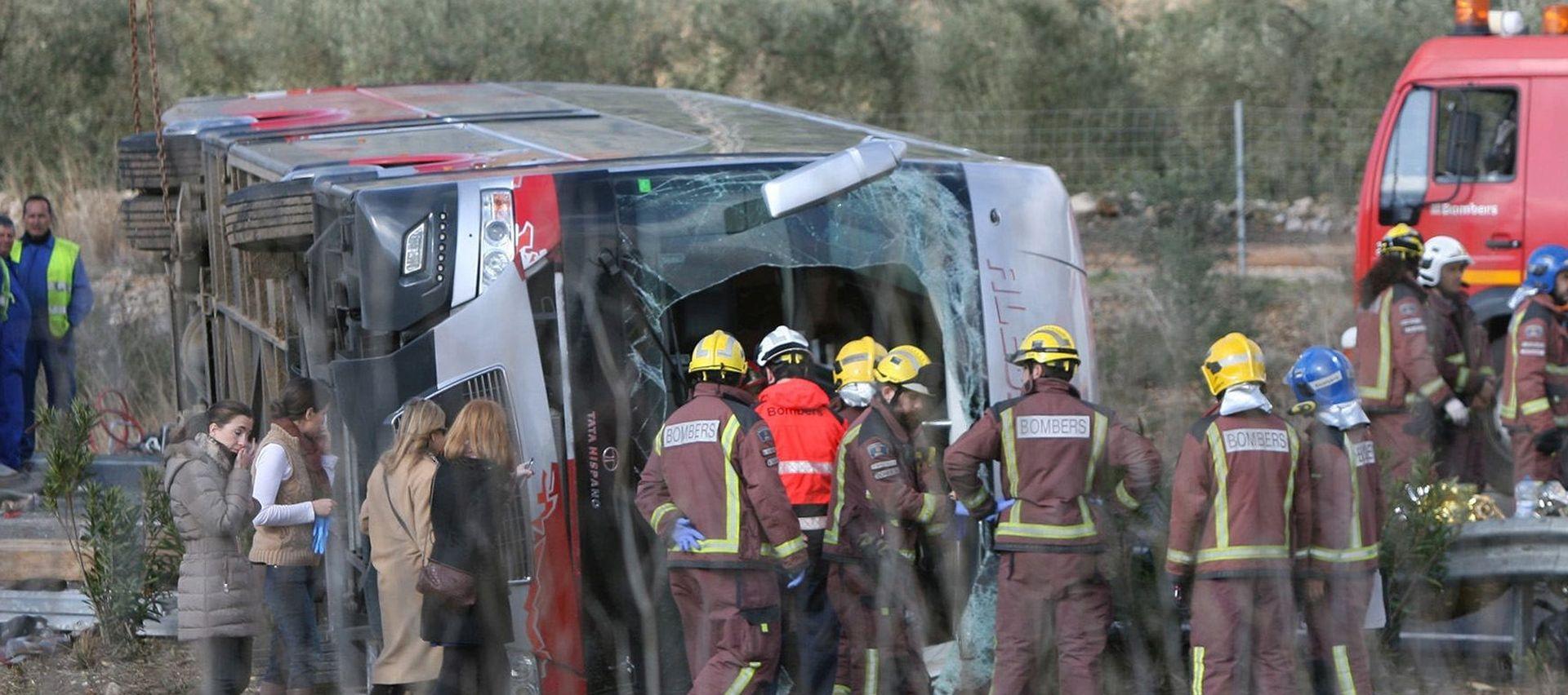 TRAGEDIJA U ŠPANJOLSKOJ: U nesreći  turističkog autobusa najmanje 14 mrtvih