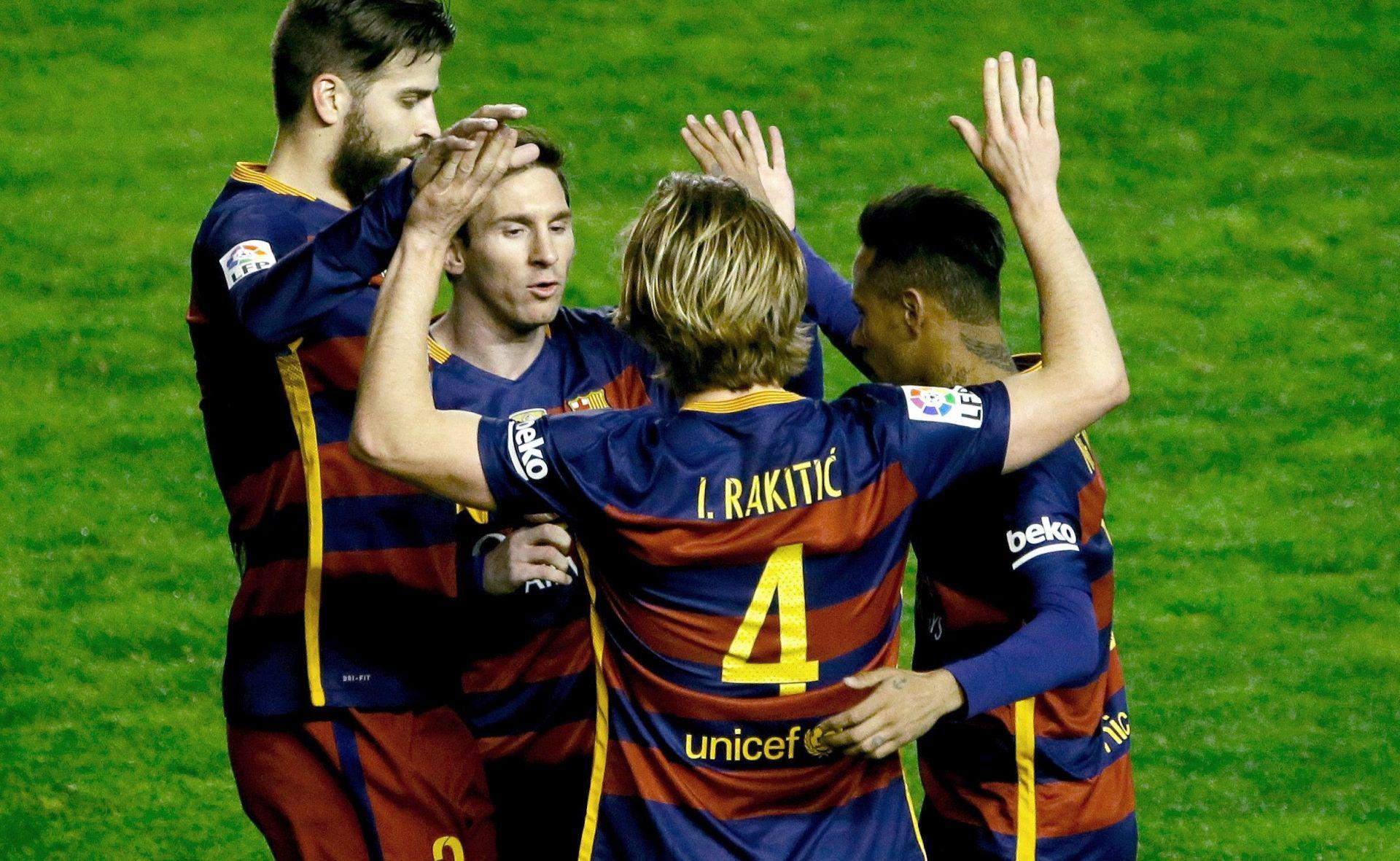 VIDEO: PRIMERA Barcelona do rekordnih 35 utakmica bez poraza, pogodak Rakitića, novi hat-trick Messija