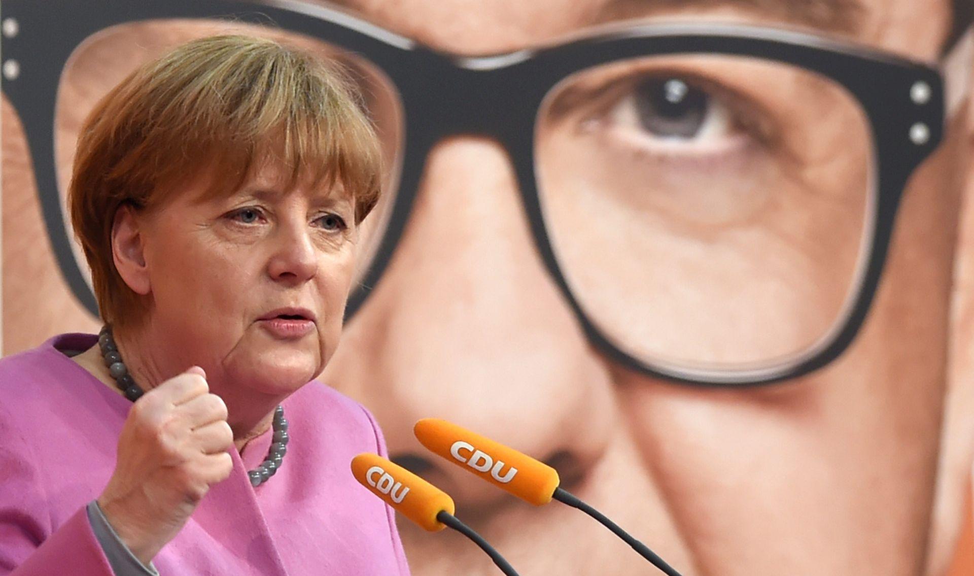 MEDIJI Merkel protiv zatvaranje balkanske rute, ali joj odgovara