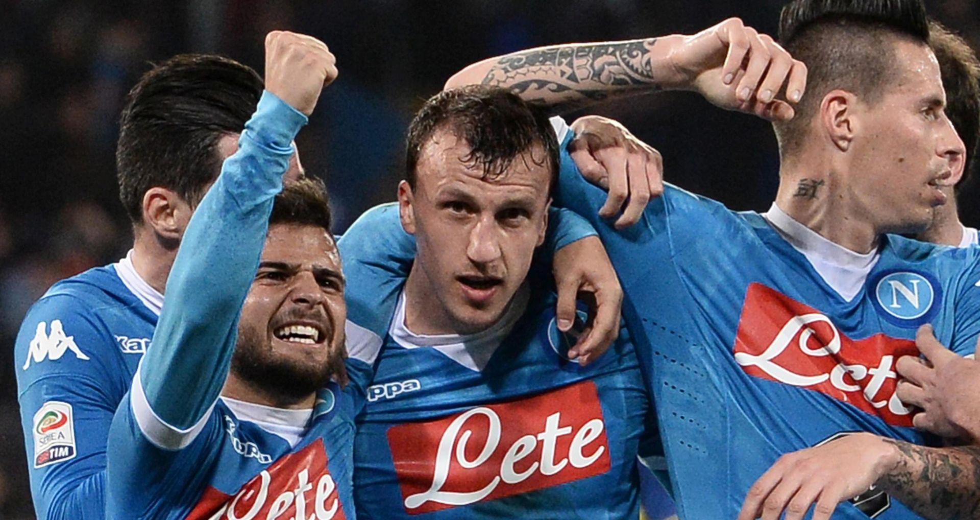 PRIVREMENI POVRATAK NA VRH SERIE A Napoli preokretom do tri boda protiv Chieva