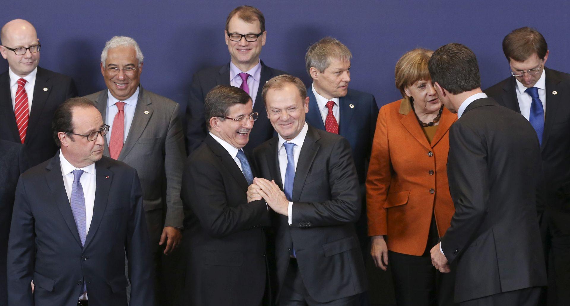 NACRT SPORAZUMA: EU bi trebala dati dodatne tri milijarde eura Turskoj za migrante