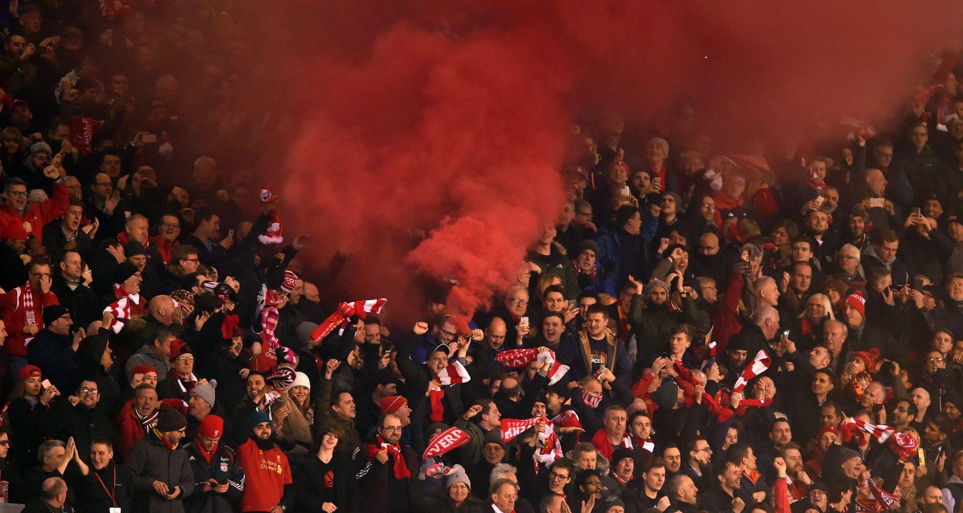 VIDEO: UEFA podigla optužbe protiv Uniteda i Liverpoola zbog navijačkog nasilja