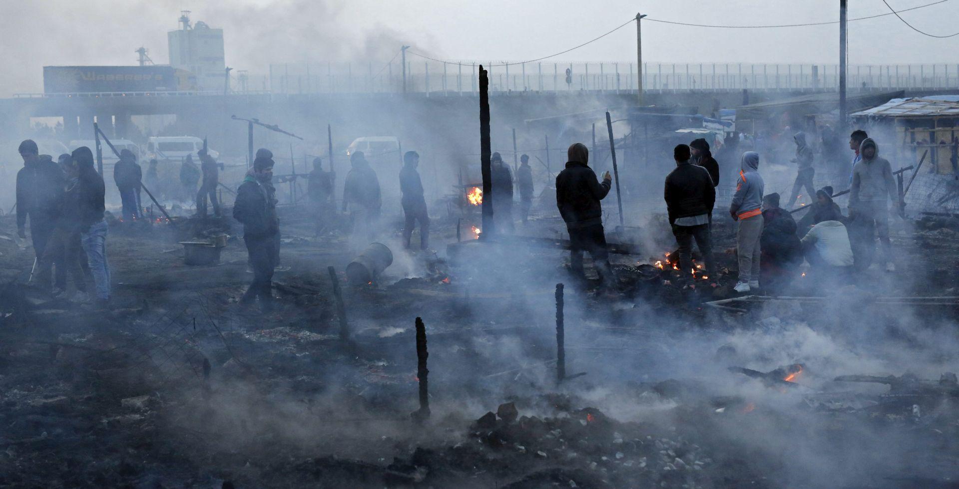 U Calaisu privedeno 14 militanata krajnje desnice