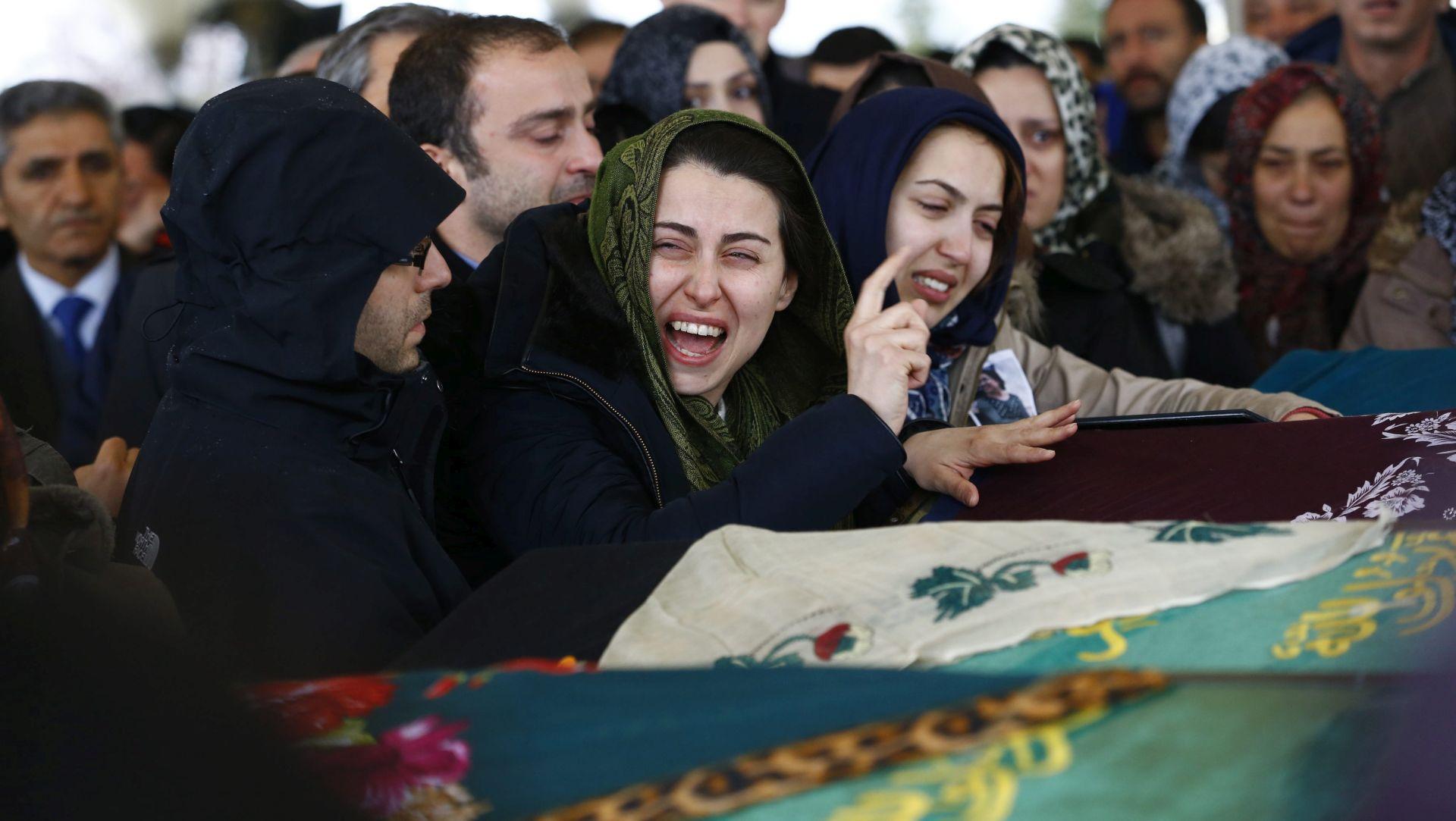 PROMPTNI ODGOVOR Turska započela akcije protiv kurdskih pobunjenika u Turskoj i Iraku