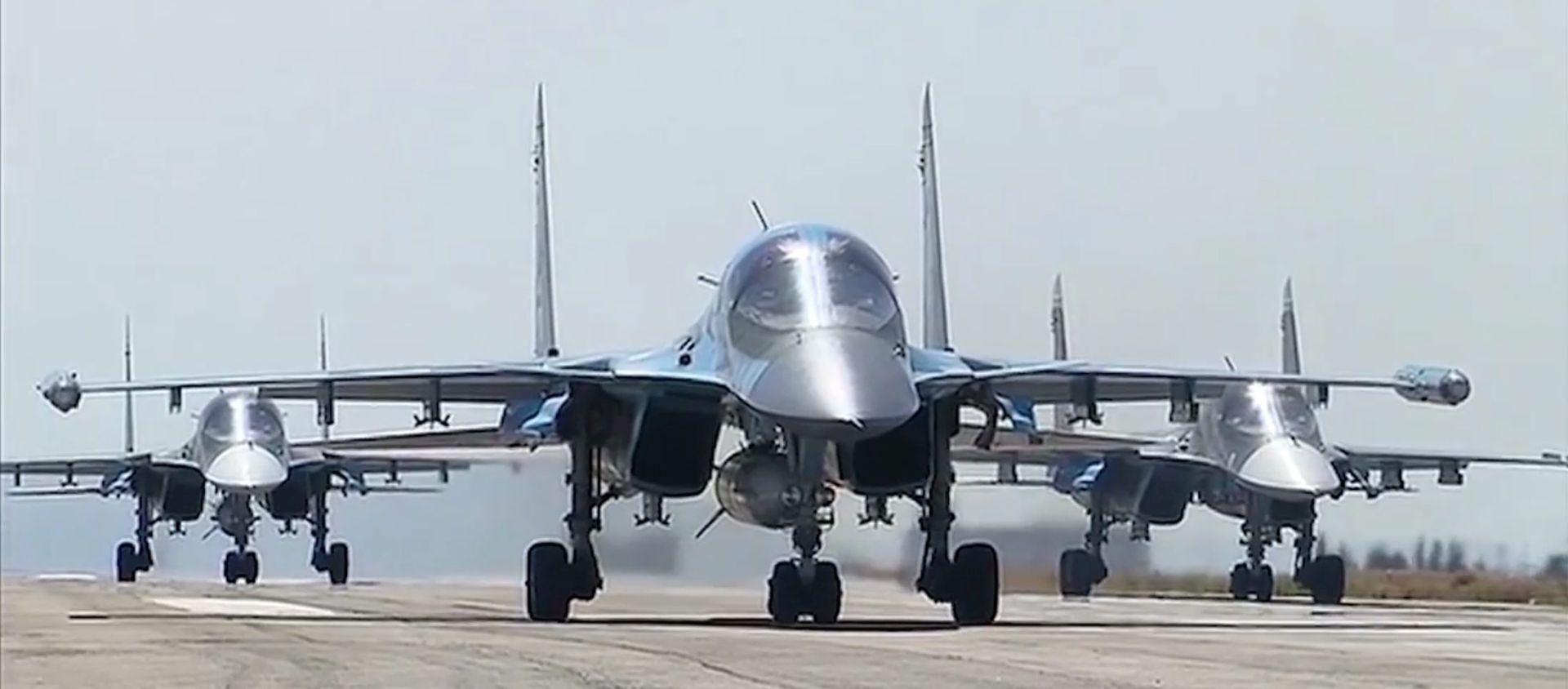 Rusija nastavlja zračne udare na IS, zadržava proturaketni sustav S-400
