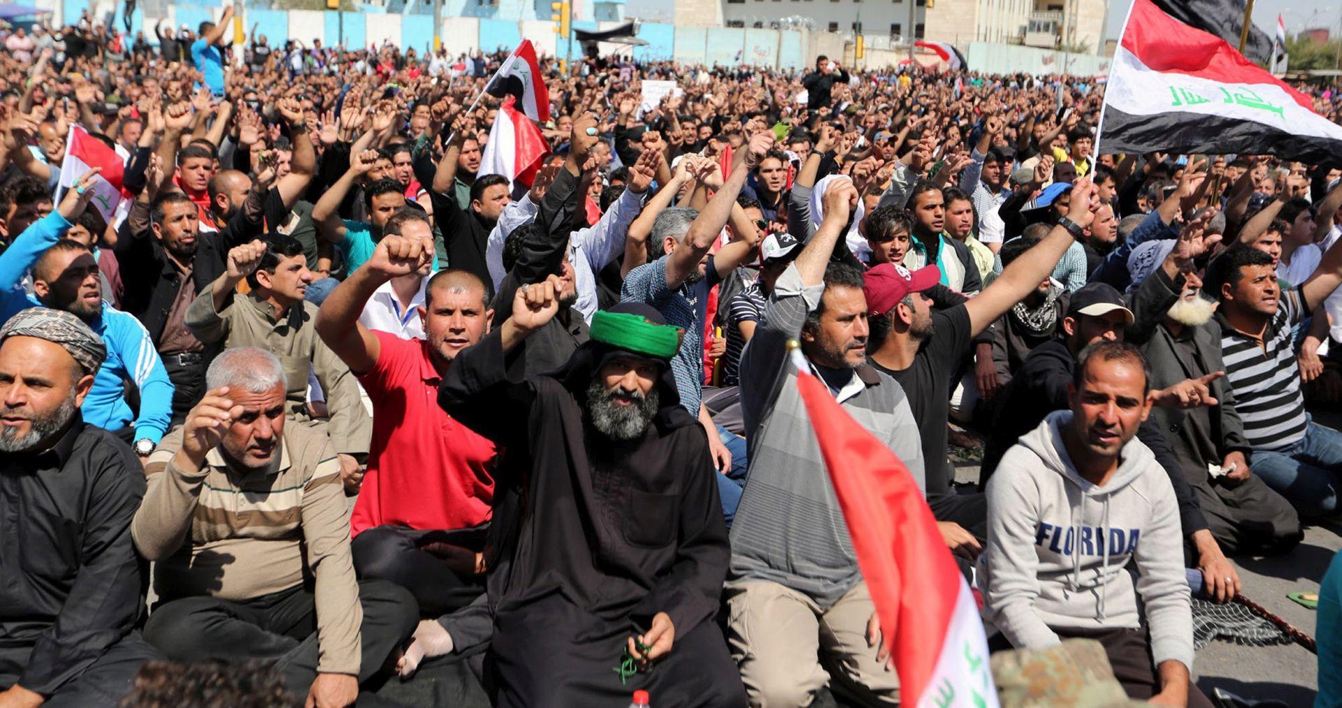 Tisuće Iračana bježe pred sukobima u pokrajini Ninive
