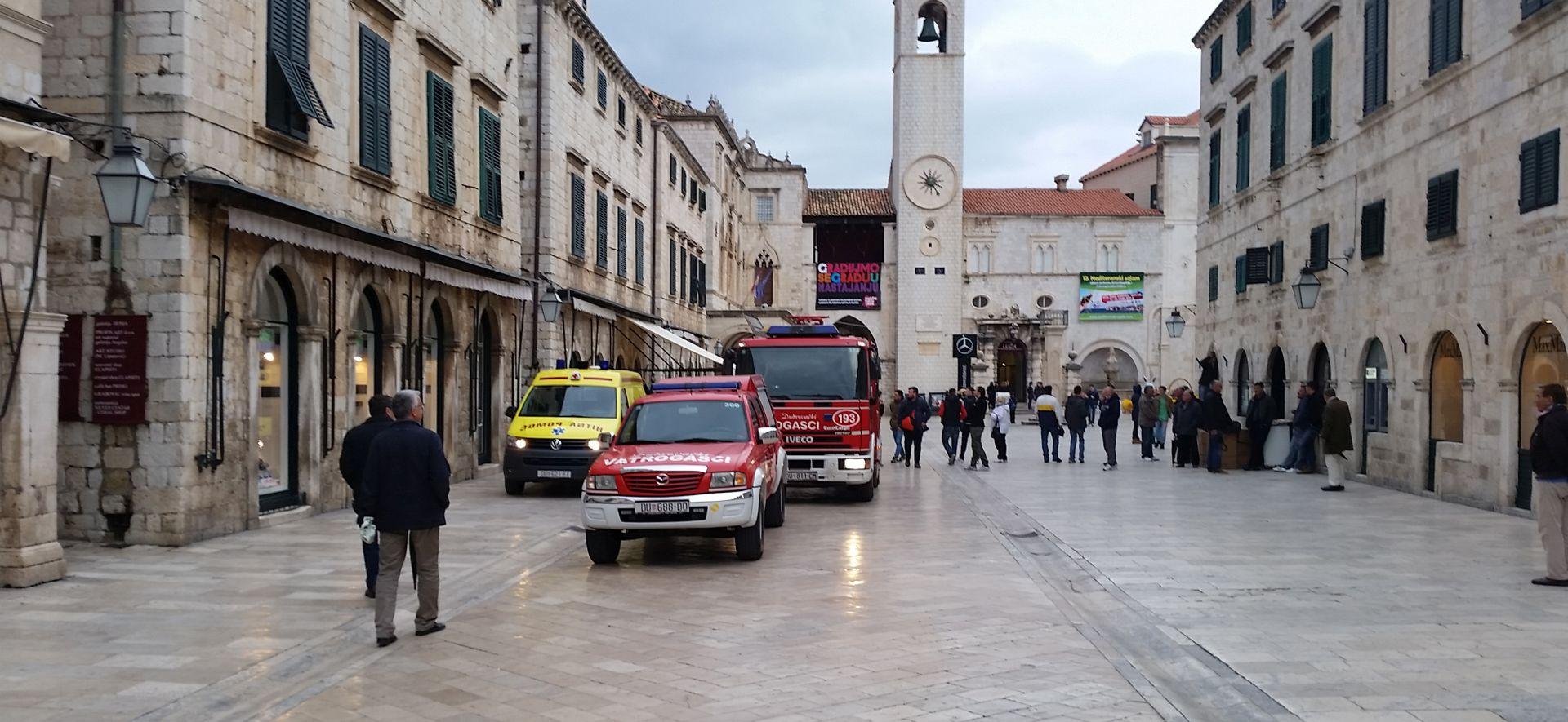 POLICIJA I SPECIJALCI NA TERENU Muškarac u Dubrovniku prijetio da će se raznijeti plinskom bocom