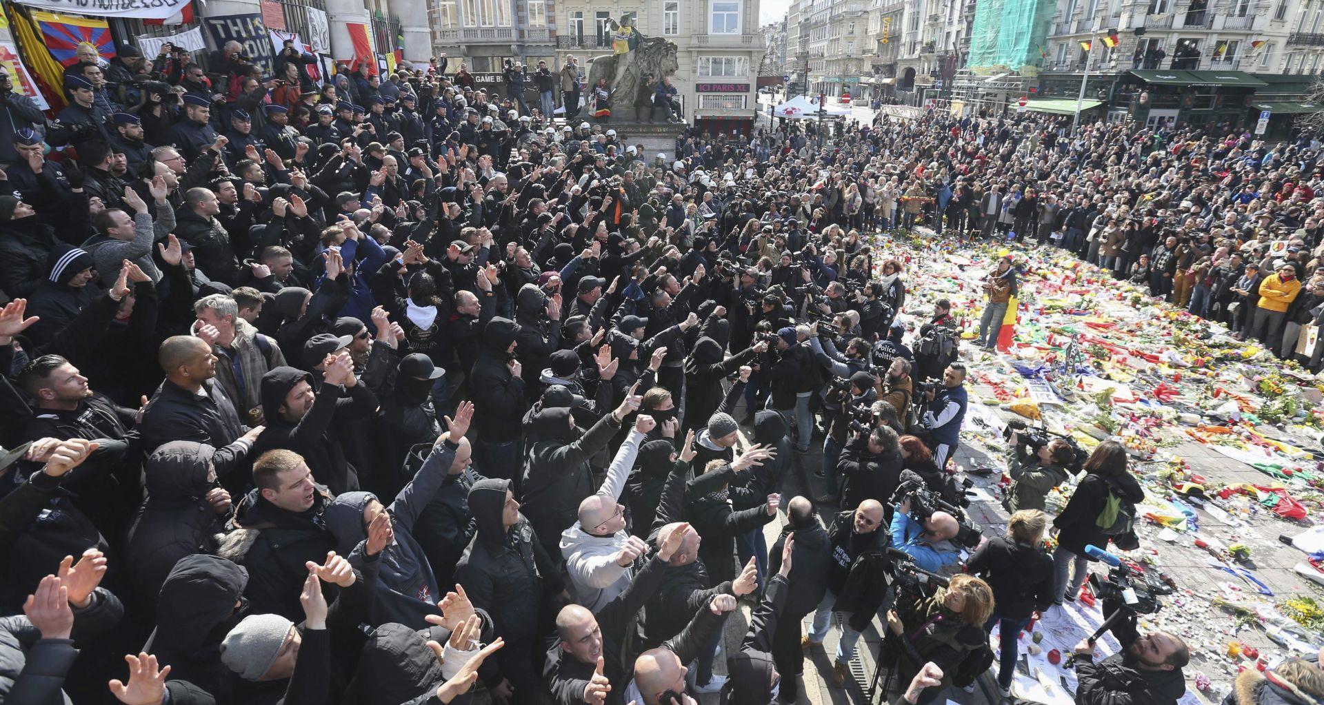 BRUXELLES Mirno okupljanje građana poremetili neonacisti, policija reagirala vodenim topovima