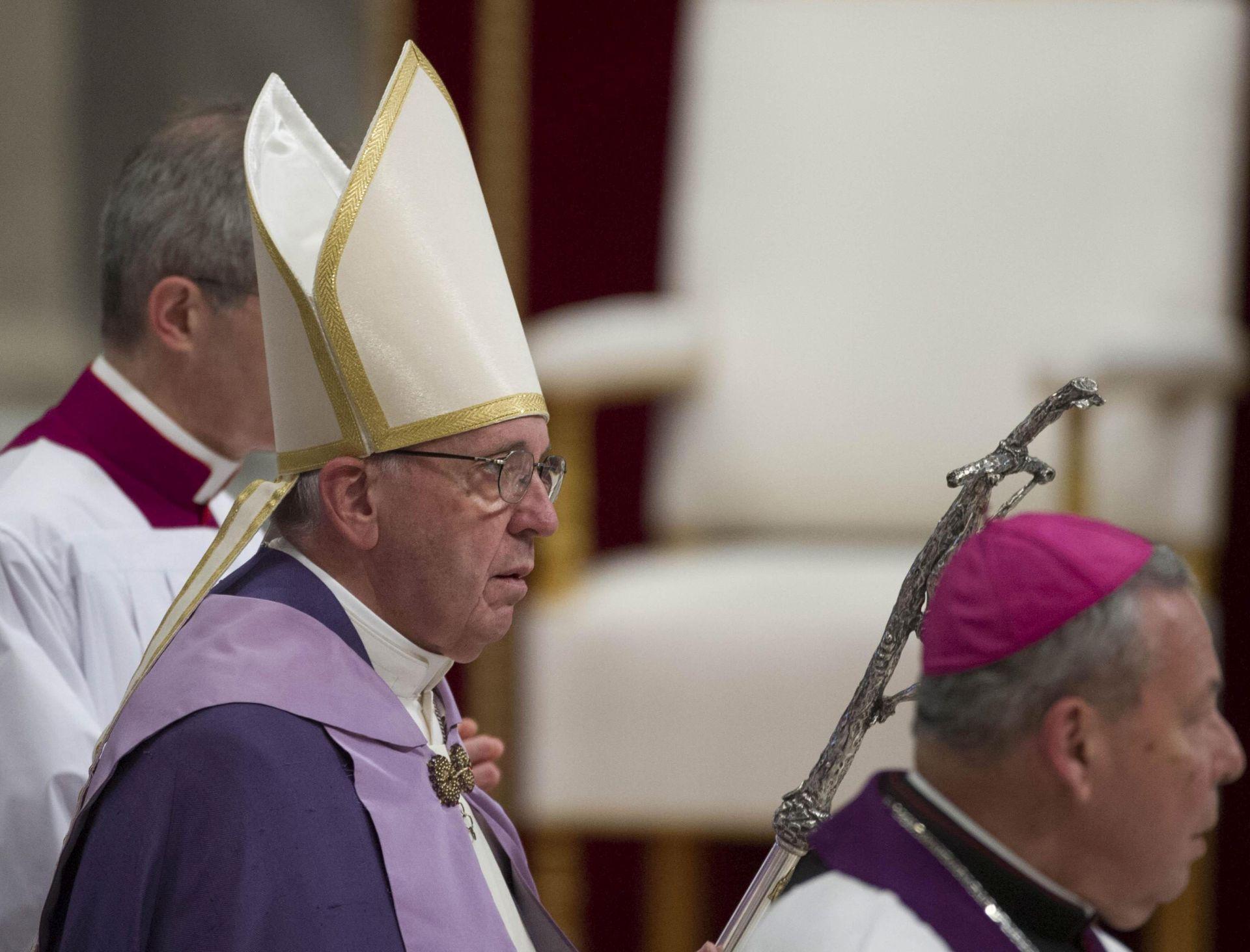 STROGA KONTROLA: Papa postrožio trošenje novca za kanonizacije
