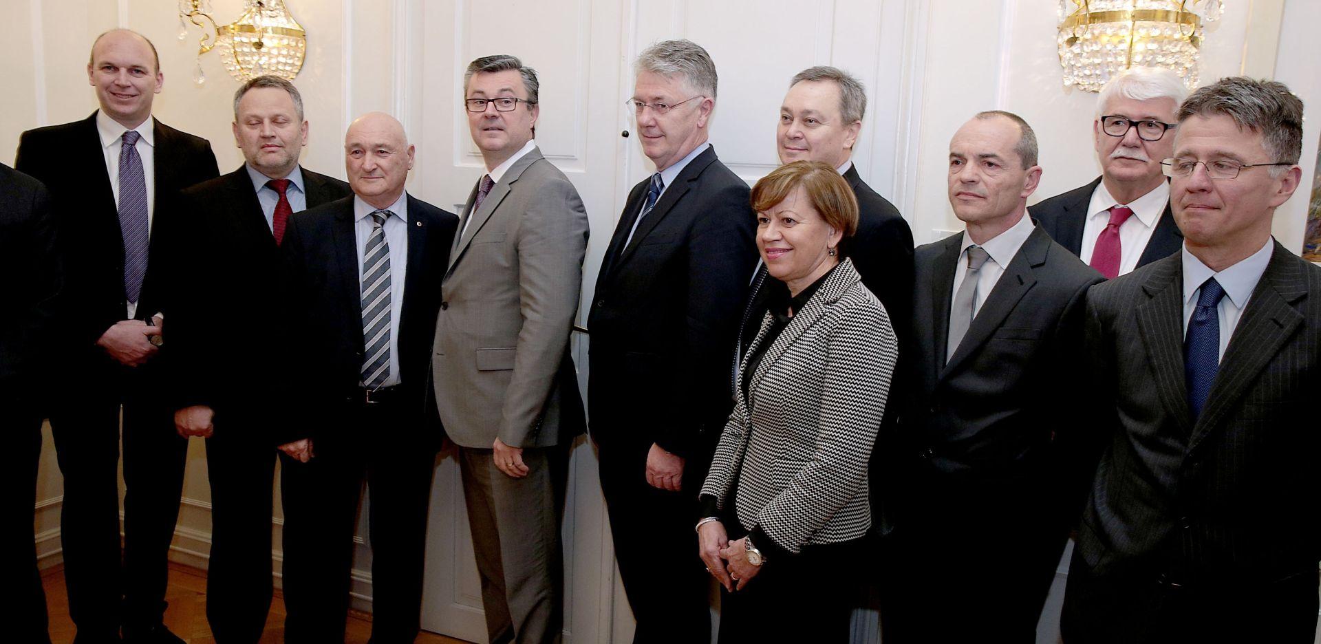 Orešković: Vlada spremna surađivati s poslodavcima
