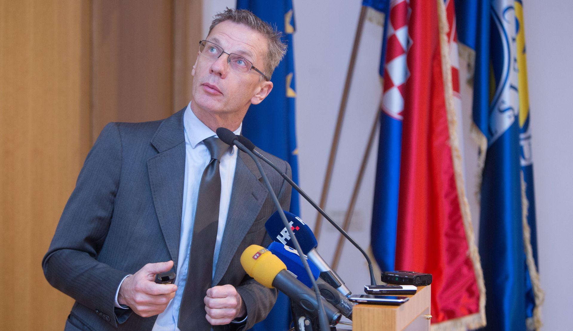 Vujčić: Ne odgađati zaustavljanje rasta javnog duga