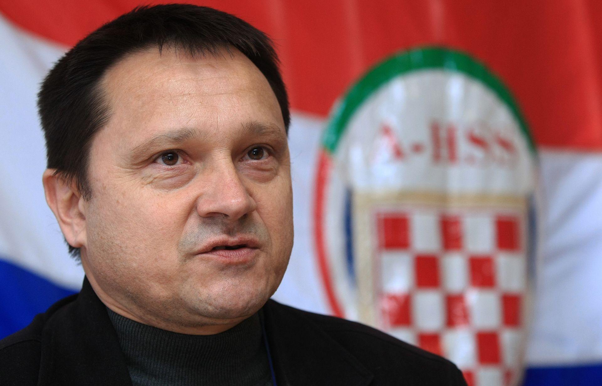 Borković bi pozdrav 'za dom spremni' uveo u Hrvatsku vojsku