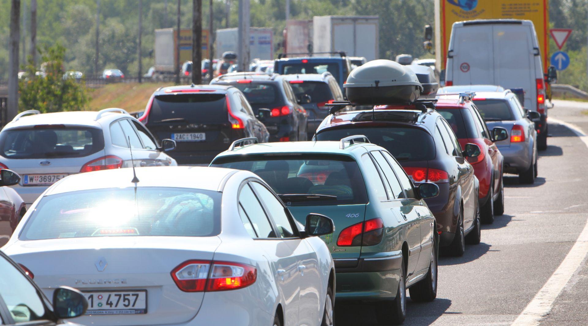 GUŽVA NA CESTAMA Prometna nesreća na A3, kod Svetog Roka kolona oko 7 kilometara