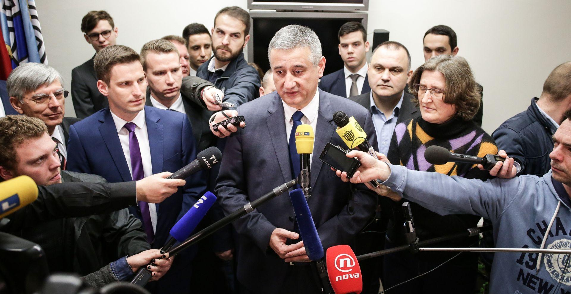 """KARAMARKO """"Orešković još uvijek ima podršku HDZ-a. Kada je ne bude imao, više neće biti predsjednik Vlade"""""""