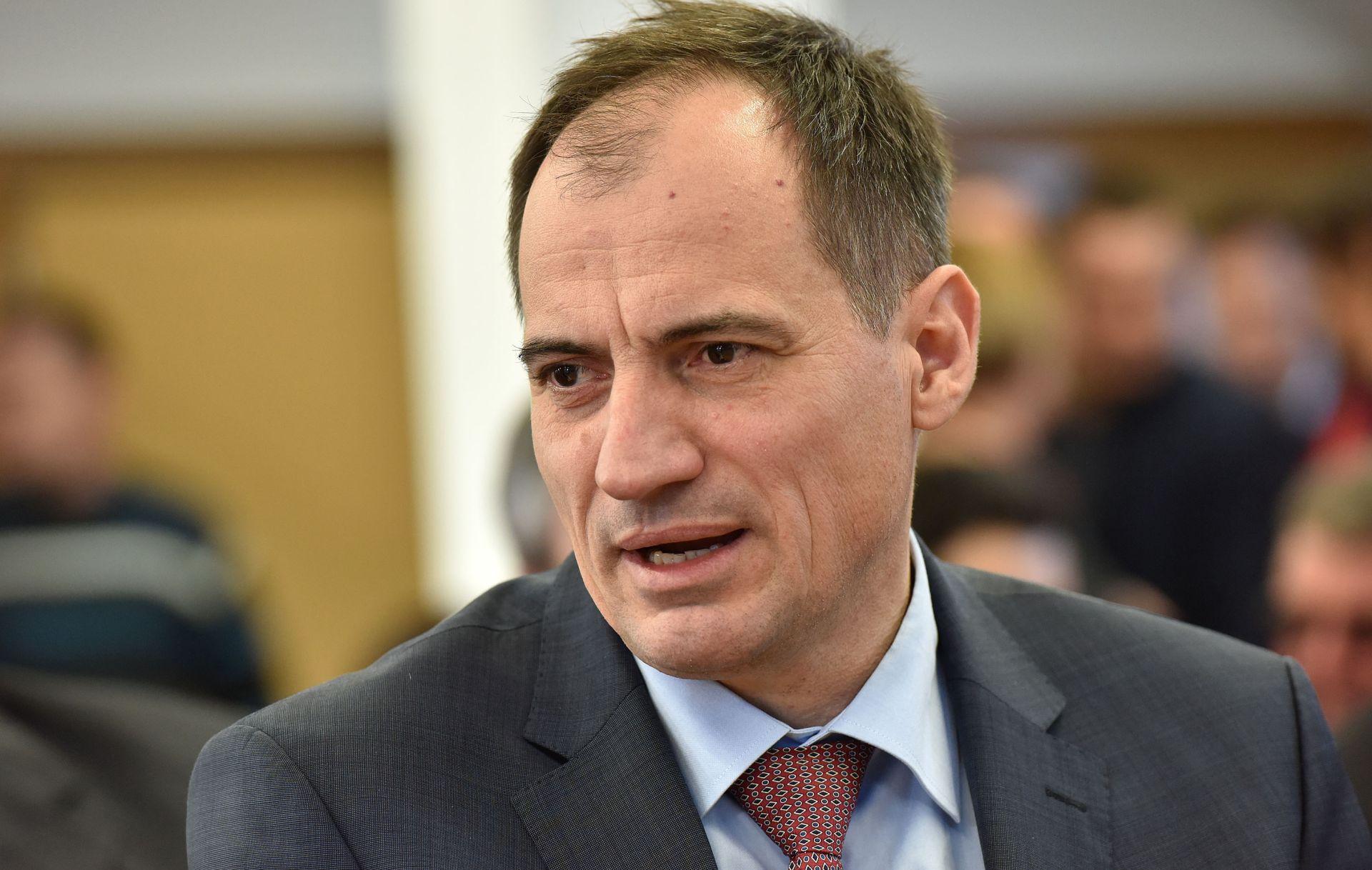 Ministar Dobrović zaustavio Program izobrazbe o gospodarenju otpadom zbog financijskog rasterećenja tvrtaka