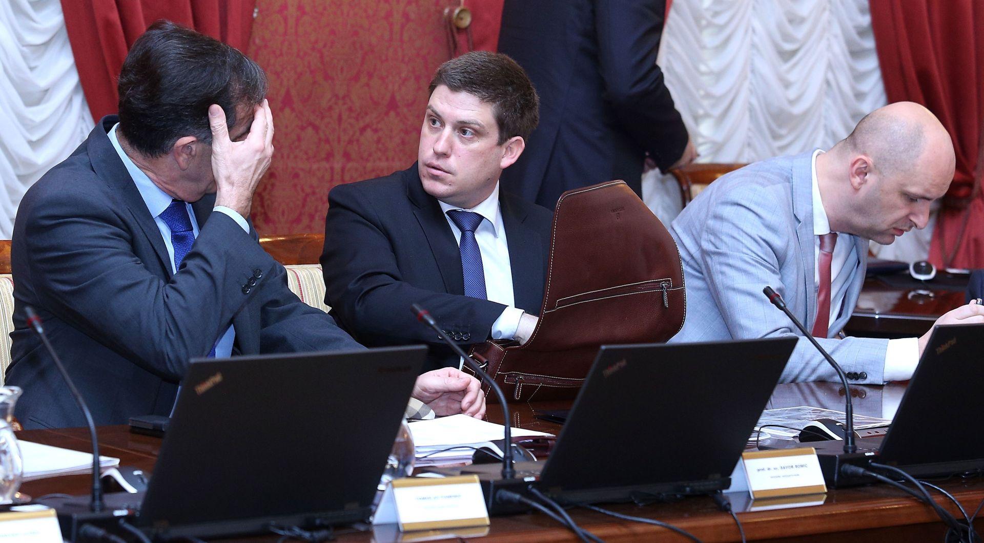 Butković: Danas donosim odluku o kreditnom zaduženju, a oni isplaćuju uskrsnice…