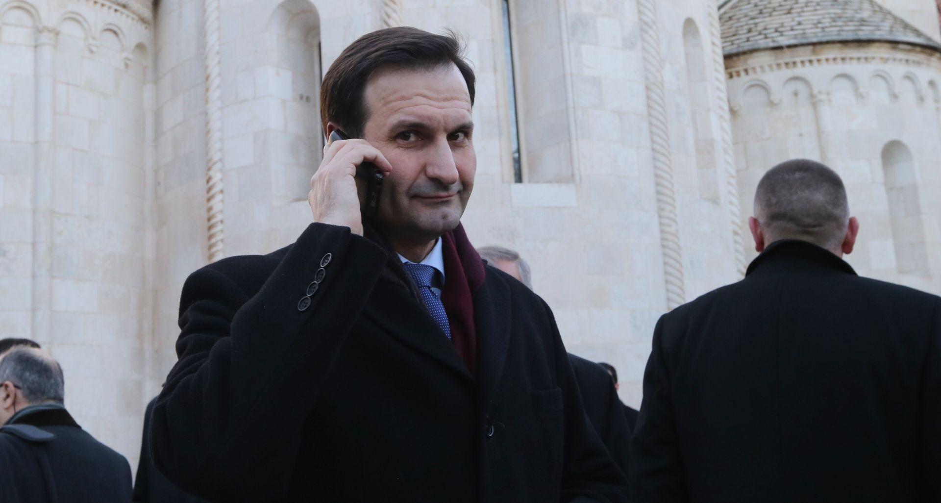 Srbijanski dužnosnici odbacuju tvrdnje hrvatskog šefa diplomacije o pravima Hrvata u Srbiji