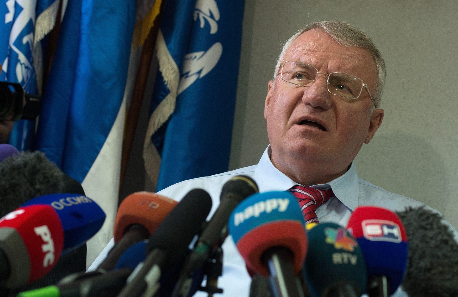 Srbijanski mediji prenose presudu Šešelju; Blic: Srbiji Šešelj kriv i bez Haaga