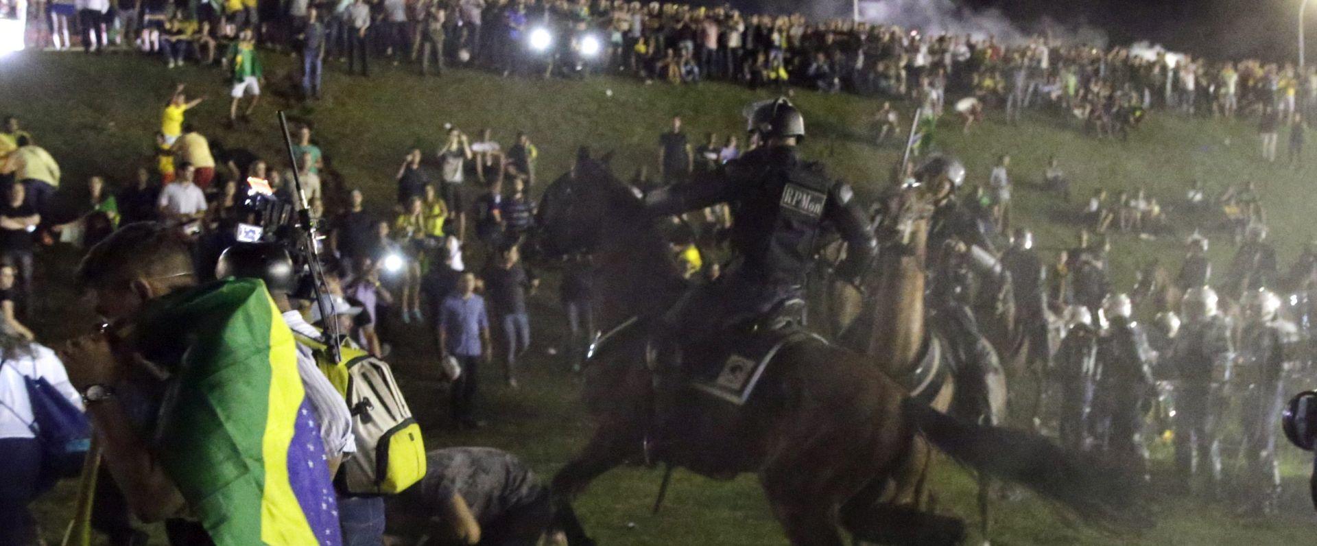 Noćni prosvjedi protiv predsjednice Rousseff u Braziliji i Sao Paulu