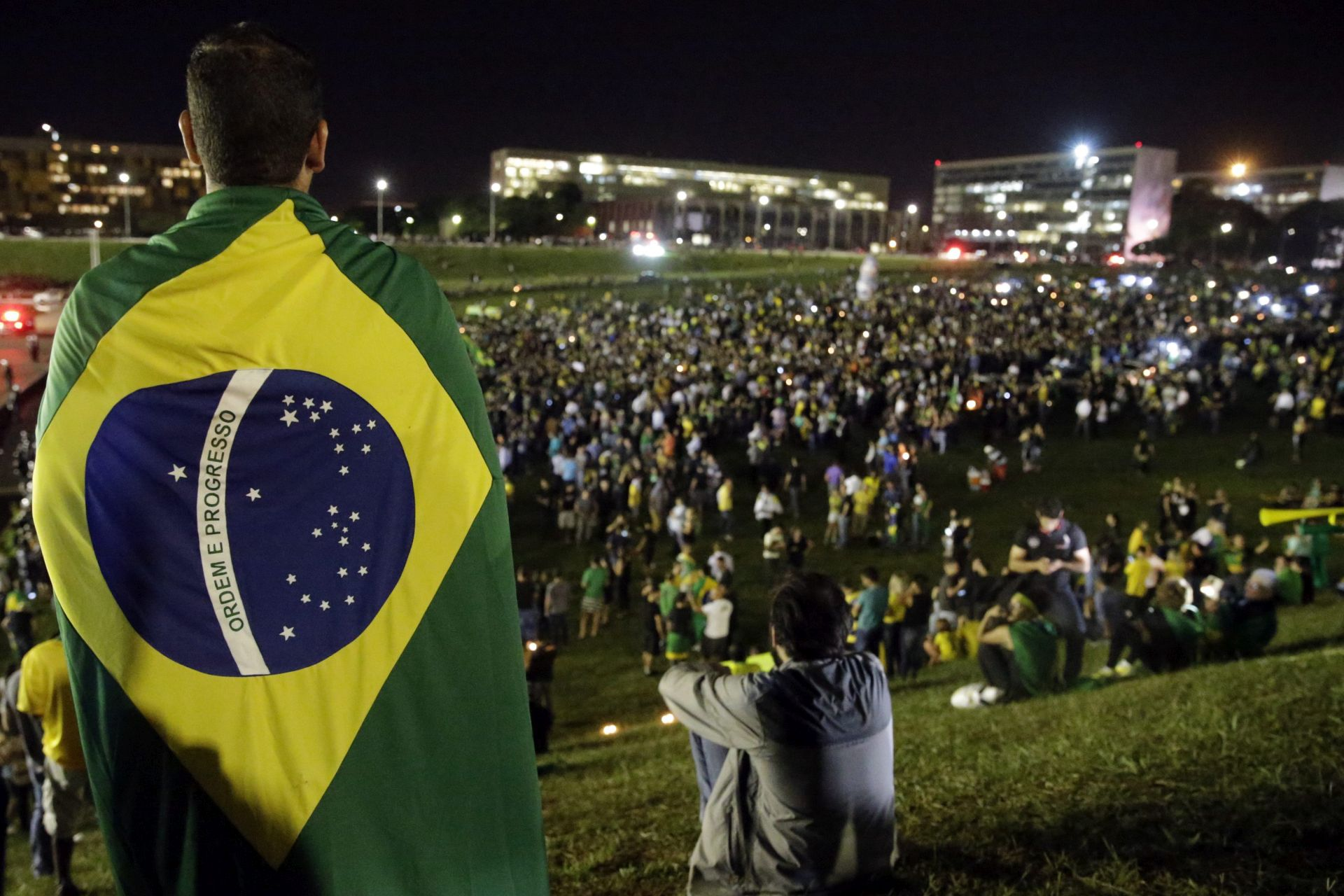 Šef brazilske oporbe: Vlada Rousseff je gotova
