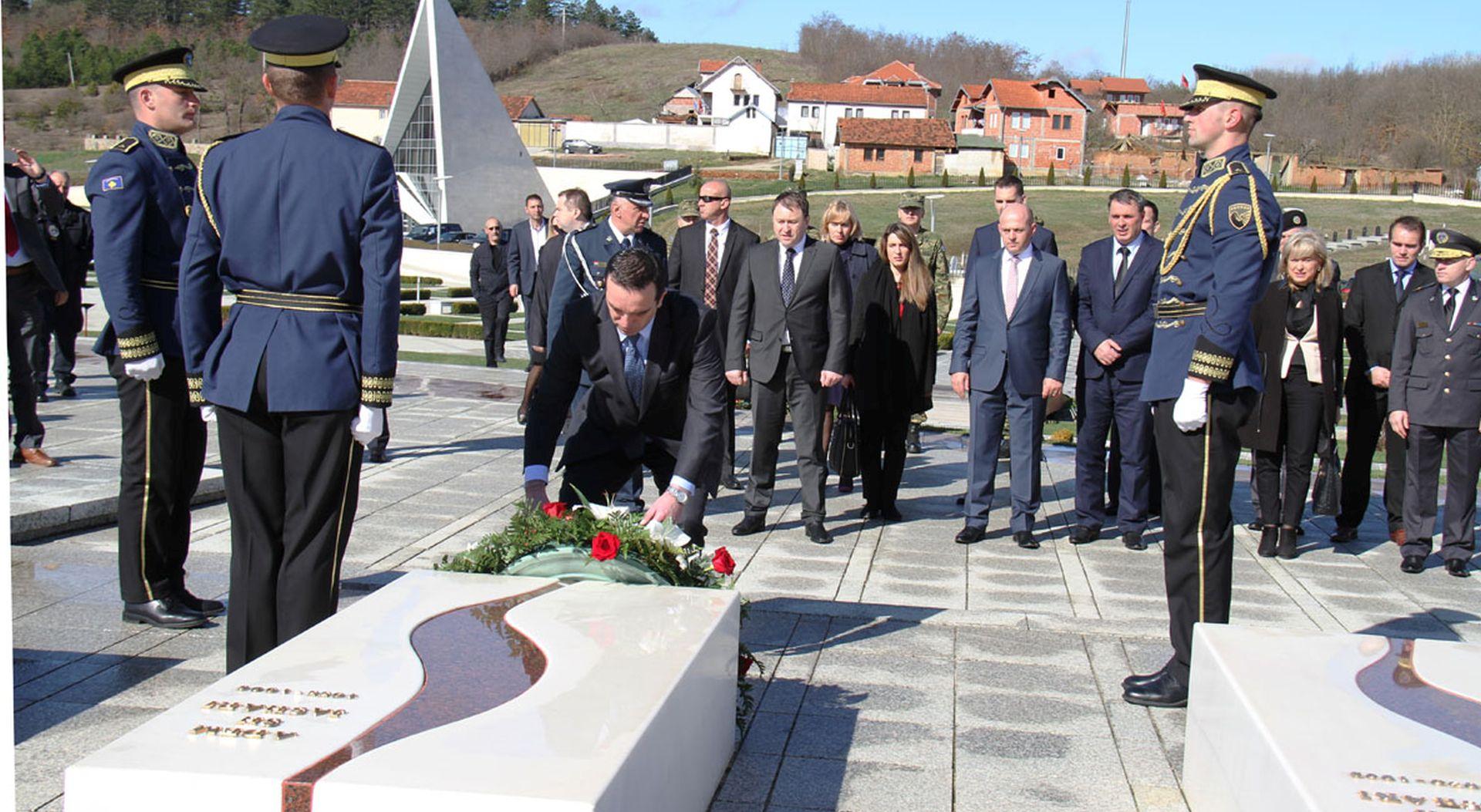 Kosovo: Ministar Buljević posjetio obitelj Jashari