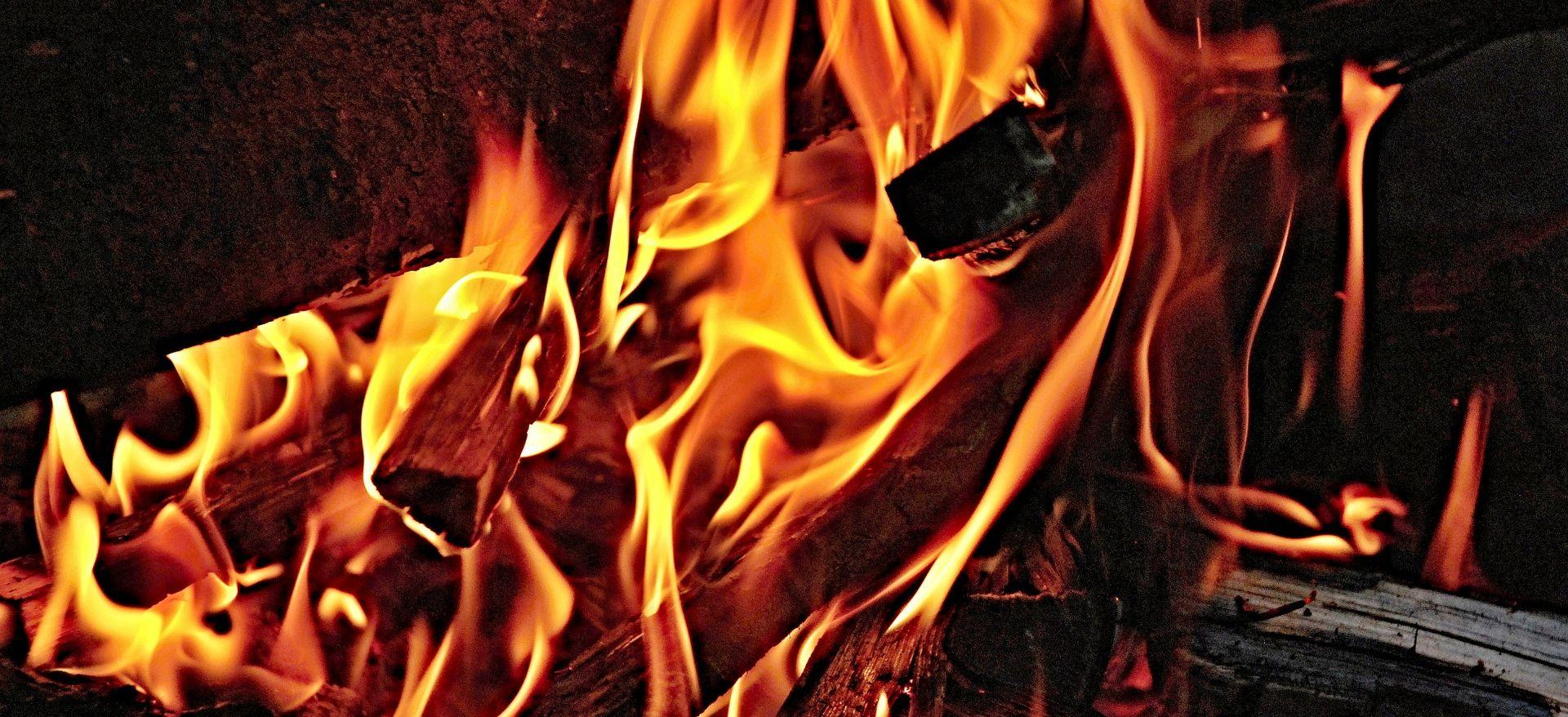 Razvojačeni hrvatski branitelj stradao u požaru svoje kuće